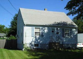 Casa en ejecución hipotecaria in Cranston, RI, 02910,  SHARON ST ID: F4206797
