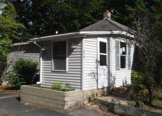 Casa en ejecución hipotecaria in Auburn, ME, 04210,  RIVERSIDE DR ID: F4207887