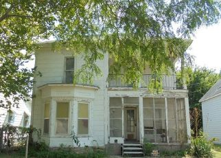 Casa en ejecución hipotecaria in Newton, KS, 67114,  N WALNUT ST ID: F4208544