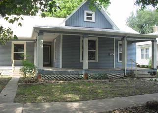 Casa en ejecución hipotecaria in Winfield, KS, 67156,  E 6TH AVE ID: F4209232