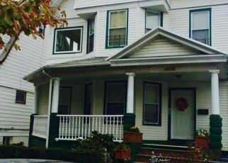 Foreclosed Home en 115TH ST, South Richmond Hill, NY - 11419