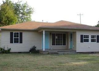 Casa en ejecución hipotecaria in Shawnee, OK, 74801,  W WALLACE ST ID: F4210534
