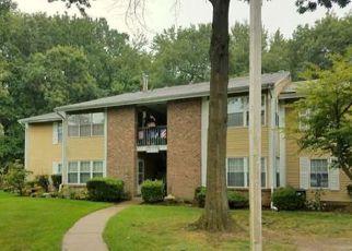 Casa en ejecución hipotecaria in North Brunswick, NJ, 08902,  PENNSYLVANIA WAY ID: F4212020