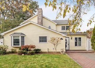 Foreclosed Home en SOUTHWOOD CIR, Syosset, NY - 11791