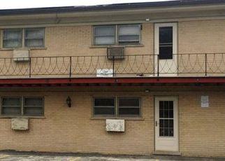 Casa en ejecución hipotecaria in Melrose Park, IL, 60164,  KING ARTHUR CT ID: F4213817