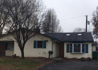 Casa en ejecución hipotecaria in Levittown, PA, 19057,  GAMEWOOD RD ID: F4215419
