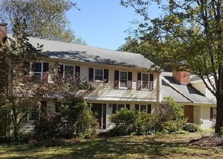Foreclosed Home in STAPLES RD, Easton, CT - 06612