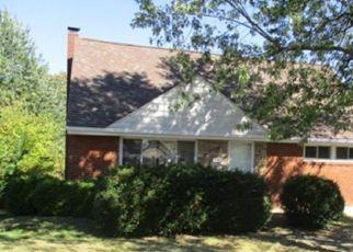 Casa en ejecución hipotecaria in Pittsburgh, PA, 15227,  LEONA DR ID: F4216247