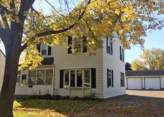 Casa en ejecución hipotecaria in Shakopee, MN, 55379,  5TH AVE W ID: F4217102