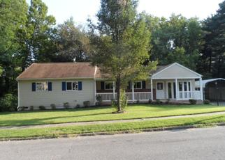 Foreclosed Home en JANELIN DR, Glen Burnie, MD - 21061
