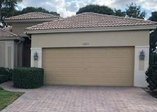 Foreclosed Home en SOUTHPORT DR, Boynton Beach, FL - 33472