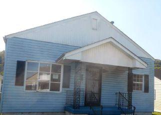 Casa en ejecución hipotecaria in Huntington, WV, 25704,  CHASE ST ID: F4218835