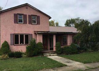 Casa en ejecución hipotecaria in Lockport, NY, 14094,  VAN BUREN ST ID: F4219293