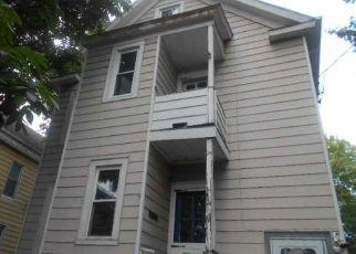 Casa en ejecución hipotecaria in Poughkeepsie, NY, 12603,  GRAY ST ID: F4219303