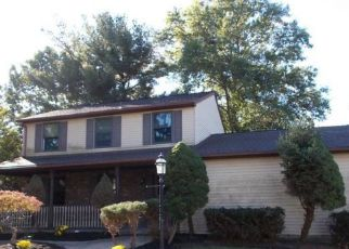 Foreclosed Home in FAIRVIEW AVE, West Berlin, NJ - 08091