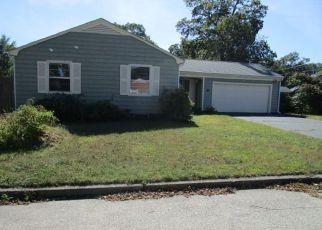 Casa en ejecución hipotecaria in Riverside, RI, 02915,  ROBIN HOOD DR ID: F4220537