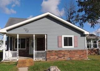 Casa en ejecución hipotecaria in Elwood, IN, 46036,  N F ST ID: F4221103