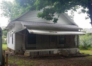 Foreclosed Home in S KHEDIVE ST, Maize, KS - 67101