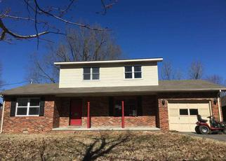Foreclosed Home in HAPPY HOLLOW DR, Paducah, KY - 42003