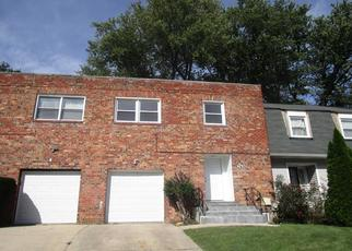 Foreclosed Home en DRUMLEA RD, Capitol Heights, MD - 20743