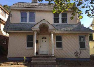 Casa en ejecución hipotecaria in Hempstead, NY, 11550,  WASHINGTON ST ID: F4225028