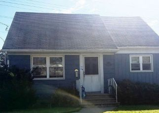 Foreclosed Home in BROOKWOOD RD, Clifton, NJ - 07012