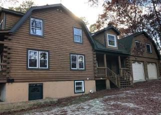 Foreclosed Home in CONNETQUOT AVE, Central Islip, NY - 11722