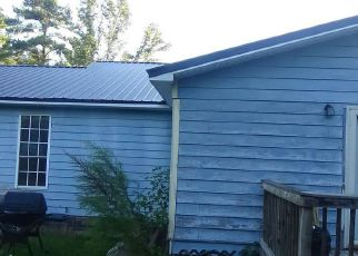 Foreclosed Home in DANIELS TOWN RD, Pamplico, SC - 29583