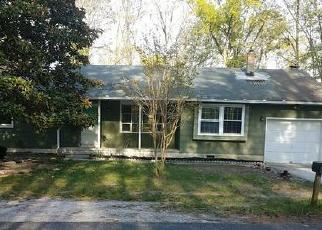Foreclosed Home in ORANGE TREE AVE, Absecon, NJ - 08205