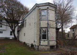 Foreclosed Home en PARSONS ST, Auburn, NY - 13021