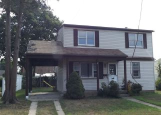 Casa en ejecución hipotecaria in Farmingdale, NY, 11735,  INTERVALE AVE ID: F4232252