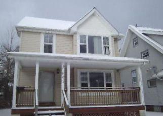 Casa en ejecución hipotecaria in Cleveland, OH, 44108,  CASTLEWOOD AVE ID: F4233224