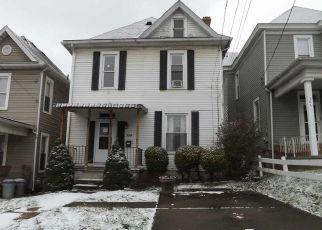 Casa en ejecución hipotecaria in Fairmont, WV, 26554,  5TH ST ID: F4233260