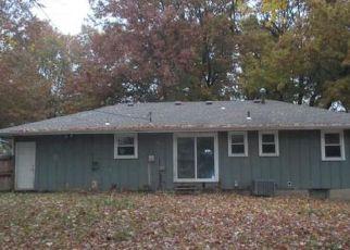 Casa en ejecución hipotecaria in Lees Summit, MO, 64063,  NE DARWIN ST ID: F4233458