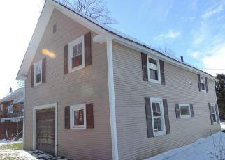 Casa en ejecución hipotecaria in Morrisville, VT, 05661,  CADYS FALLS RD ID: F4234329