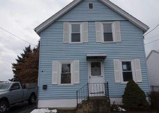 Casa en ejecución hipotecaria in East Providence, RI, 02914,  WINSOR ST ID: F4234409