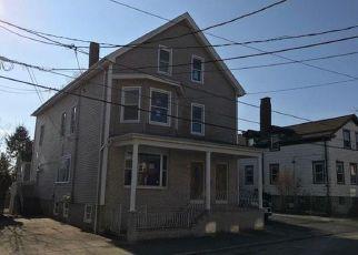 Casa en ejecución hipotecaria in New Bedford, MA, 02740,  SHERMAN ST ID: F4234752