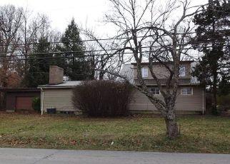 Casa en ejecución hipotecaria in Elizabethtown, KY, 42701,  HELMWOOD DR ID: F4234785