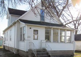 Foreclosed Home in S BLAINE AVE, Bradley, IL - 60915