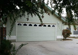 Foreclosed Home en ROLLING HILLS ST, Exeter, CA - 93221