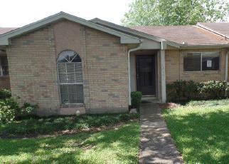 Casa en ejecución hipotecaria in Houston, TX, 77072,  CLAREWOOD DR ID: F4239538