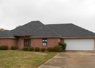 Foreclosed Home in S MARTIN LUTHER KING DR, Cleveland, MS - 38732