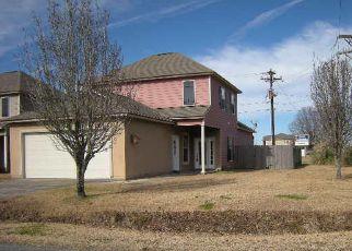 Foreclosed Home in LA RUE VIL, Lafayette, LA - 70508
