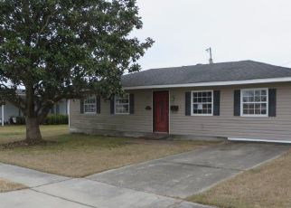 Casa en ejecución hipotecaria in Gretna, LA, 70056,  DIPLOMAT ST ID: F4245594