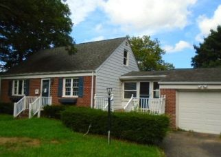 Foreclosed Home en MELVILLE RD N, Huntington Station, NY - 11746