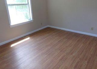 Foreclosed Home en KENTUCK CHURCH RD, Ringgold, VA - 24586