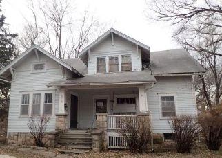Casa en ejecución hipotecaria in Ottawa, KS, 66067,  S OAK ST ID: F4251443