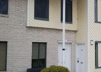 Casa en ejecución hipotecaria in Coram, NY, 11727,  NAVAJO CT ID: F4252633