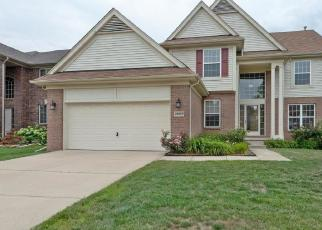 Foreclosed Home in TRAILWOOD DR, Warren, MI - 48092