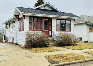 Casa en ejecución hipotecaria in Kenosha, WI, 53142,  37TH AVE ID: F4254359